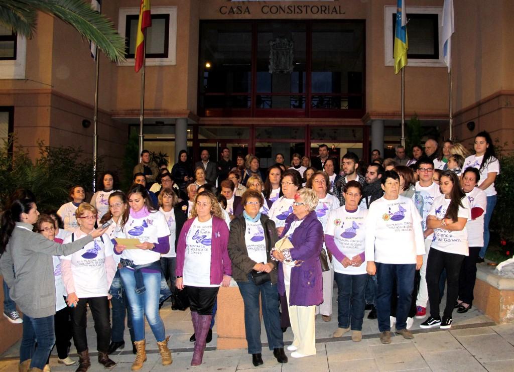 251113 Concentracixn contra la violencia de gxnero.jpg 1054497554