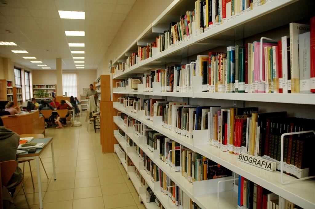 Biblioteca Viera y Clavijo.jpg 1054497554