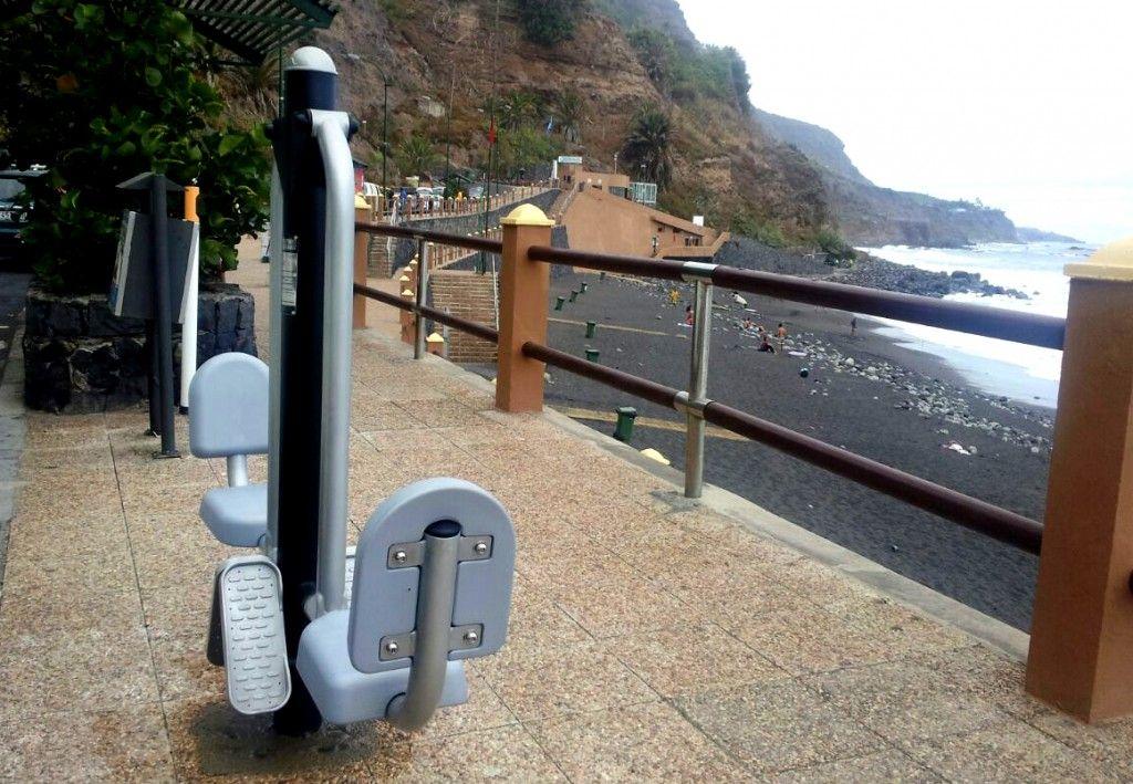 240714 Nuevos aparatos de gimnasia playa El Socorro