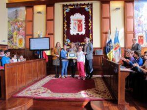 271114 Entrega sello Ciudad Amiga de la Infancia CEIP Palo Blanco