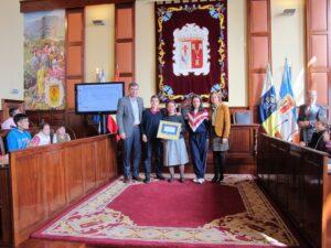 271114 Entrega sello Ciudad Amiga de la Infancia Colegio Nazaret