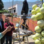 300315 Visita taller escultor Francisco Palmero alcalde y concejal Adolfo monumento al cultivo de la vid 1