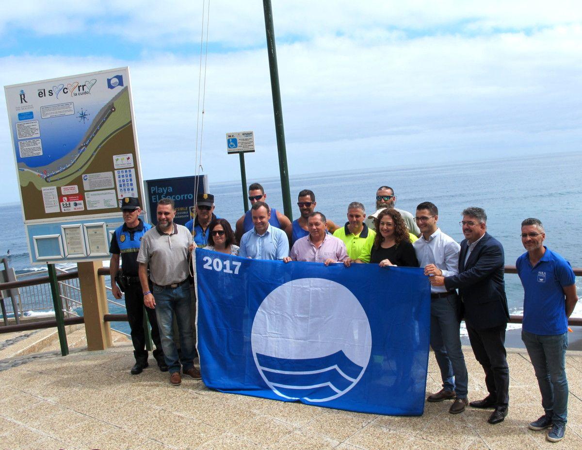 200617 Izado de Bandera Azul playa El socorro