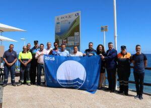 260618 Izado de Bandera Azul 2018 en la playa de El Socorro 01