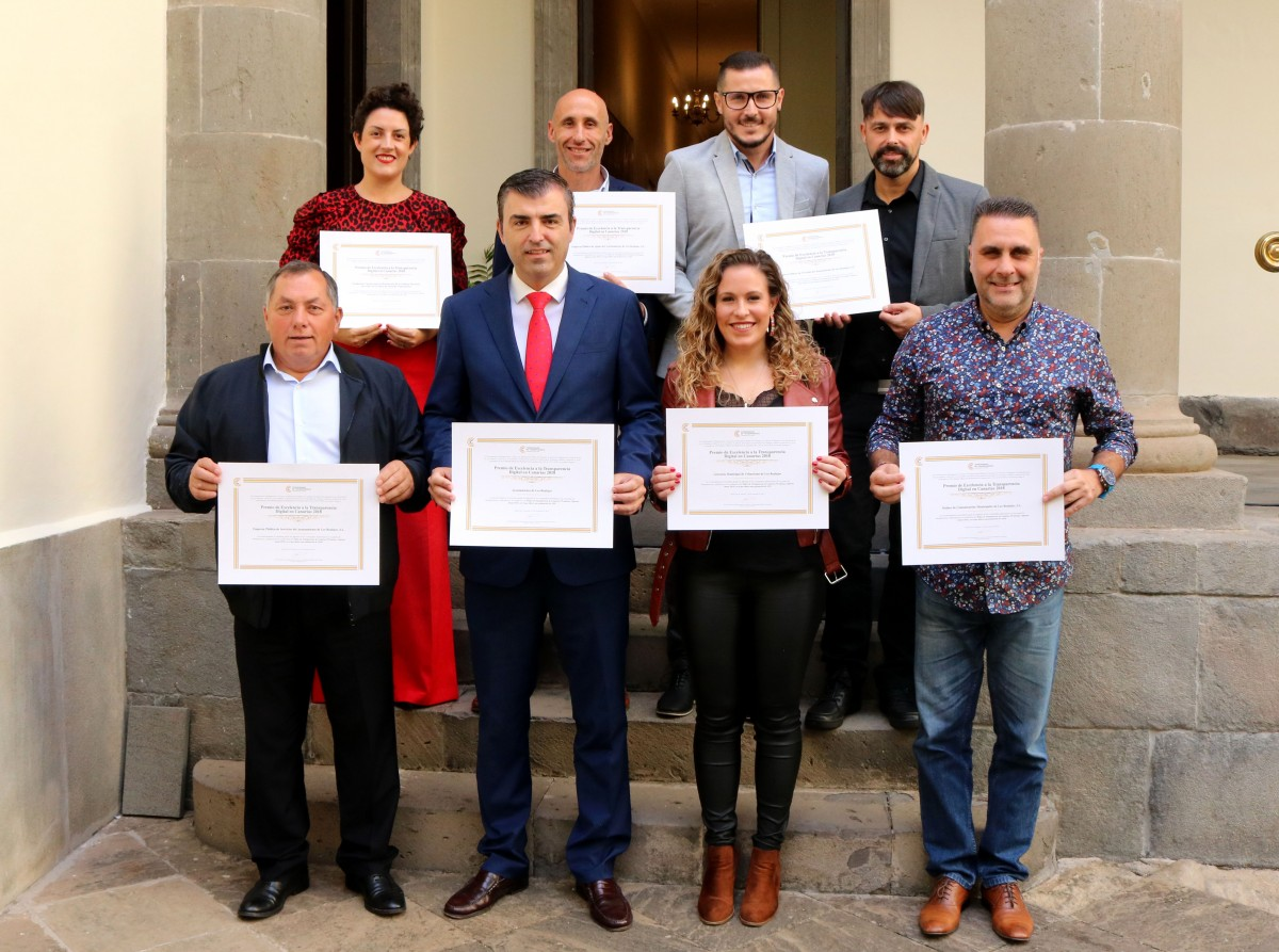 271119 Recogida premios a la transparencia 2018 01